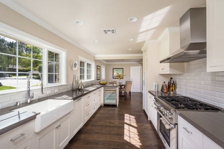 Best 10 Small Galley Kitchens Ideas On Pinterest Galley Kitchen  Attractive Small Galley Kitchen
