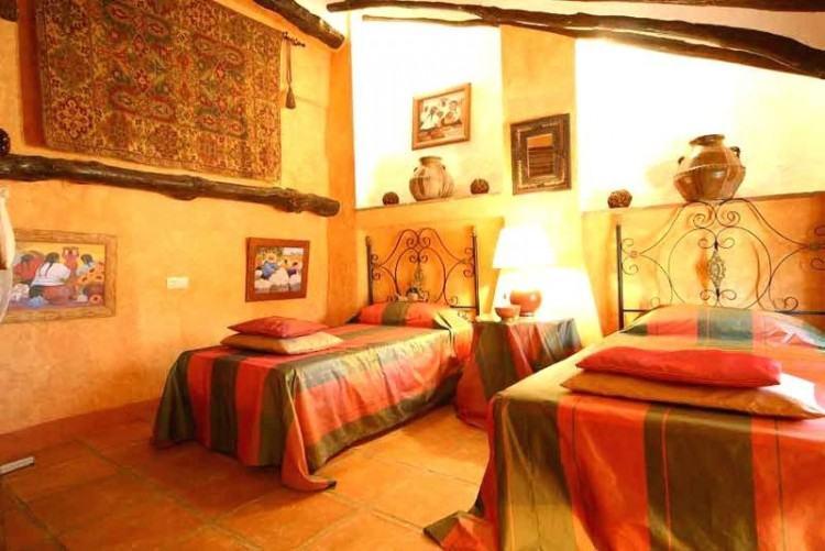 Full Size of Bedroom Gothic Bedroom Furniture Rustic Wood Bedroom Sets Mens Bedroom  Furniture Colonial Bedroom