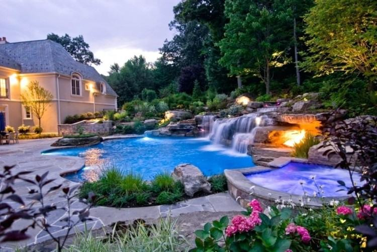 We are experienced at swimming pool design and enjoy managing all aspects  of your swimming pool landscape project