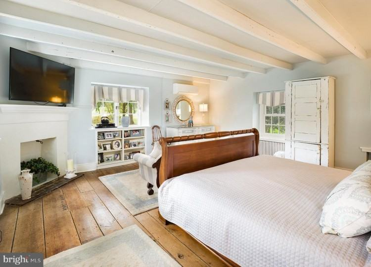 Bed Pillow Arrangement, Home  Bedroom,