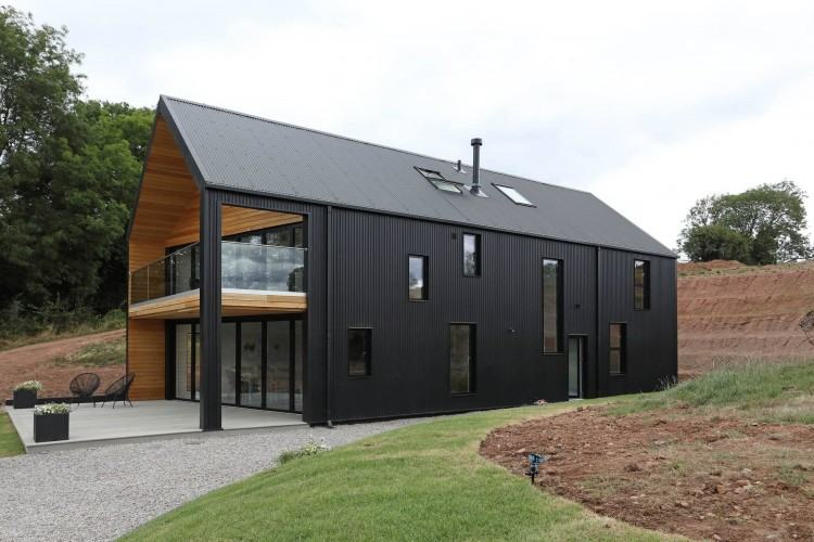 """KEVIN'S FAVOURITE GRAND DESIGNS 3: Sarah Wigglesworth and Jeremy Till's  straw bale house became """"one of the most talked about buildings put up in  Britain in"""