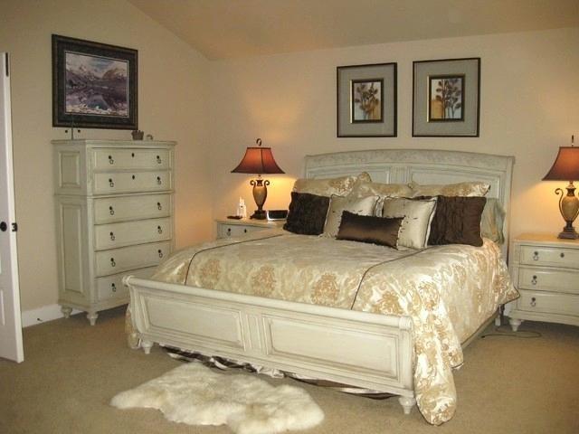 cream color bedroom