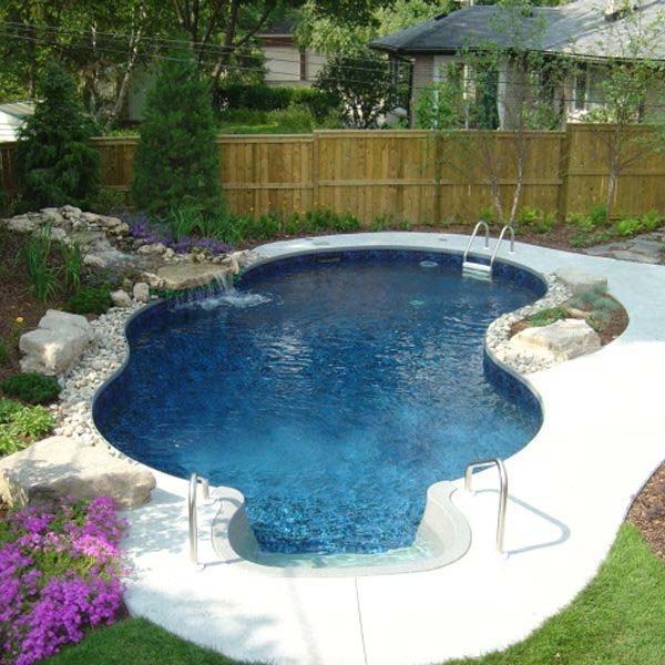 Lovely pool stretches across just 10 feet! [Design: Platinum Poolcare]