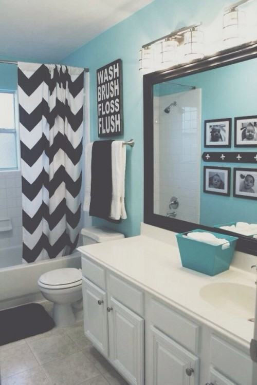 gray and turquoise bathroom