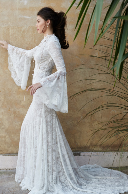 Have a glance at our ideas and suggestions regarding Pakistani Designer  dresses for the wedding and party wear