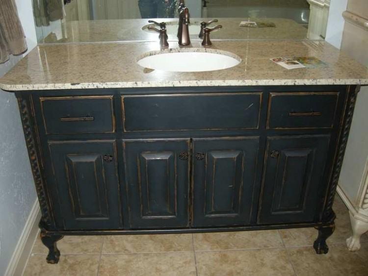 painting old bathroom vanity
