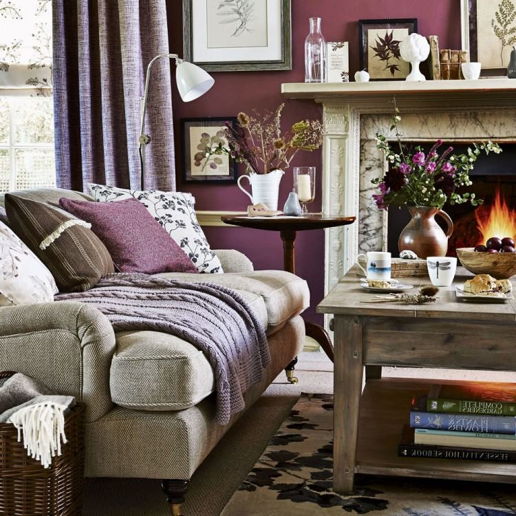 Chalet living room with a touch of traditional