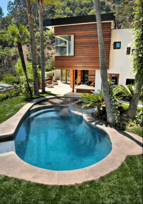Breathtaking swimming pool design