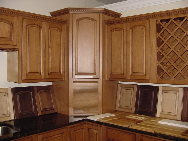 Open shelving with generous face frame size for tight corner