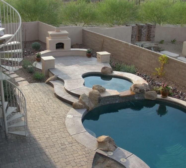 Specializing in Custom Swimming Pool Design and Construction