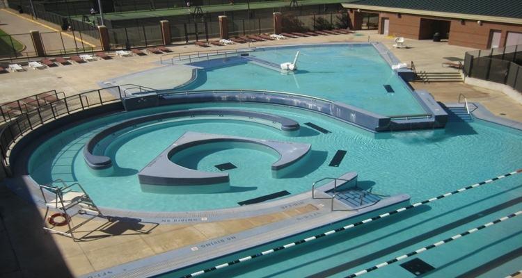 Luxury Pool Alderete Pools Inc