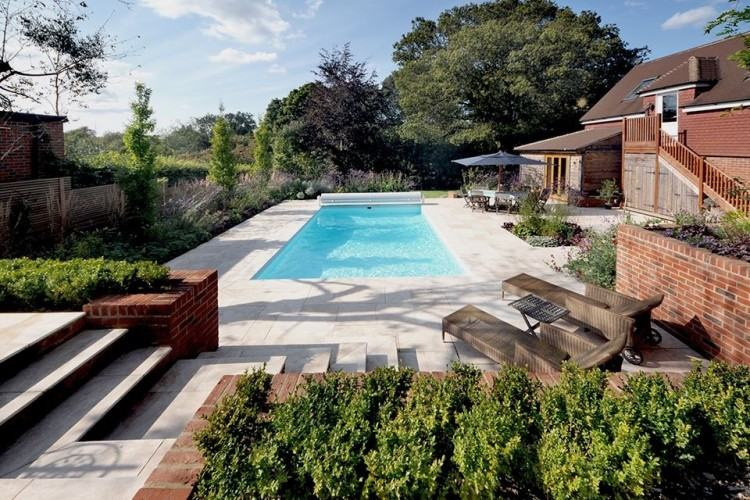 Small pool with Jacuzzi steals the show [Photography: Andrea Calo]
