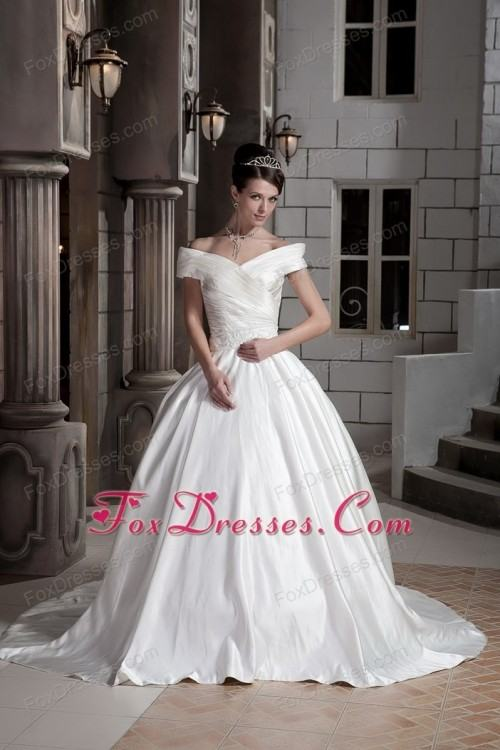 2016 Saudi Arabic Off The Shoulder Wedding Dresses Lace Appliques Ball  Gown Puffy Tulle Castle Bridal