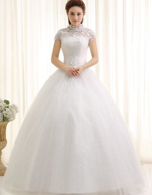 From the stylized  outline of the Empire style, and sprinkled with flowers, chiffon or organza  tulle