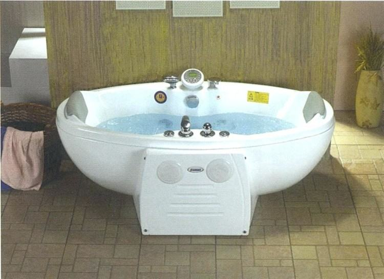 Luxury Whirlpool Tub Bathroom Decoration