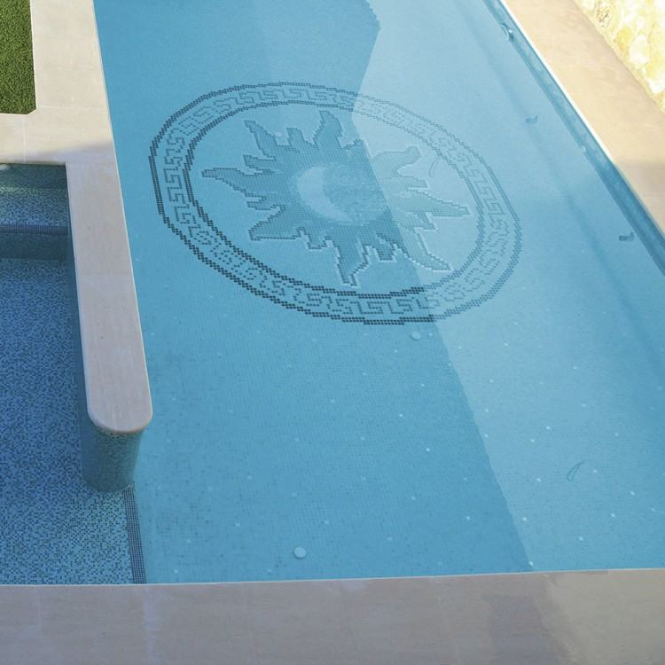 Most often, the plaster and tile associated with the pool are typically  replicated onto the sun shelf for consistency