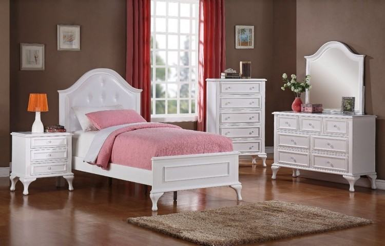 Jesse Tully Bed
