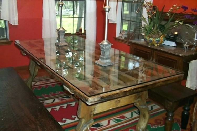 protecting wood dining table